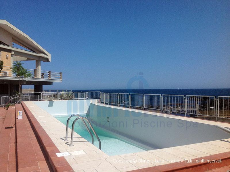 Quarta fase installazione liner per piscine costruzione piscine sicilia - Liner per piscine ...